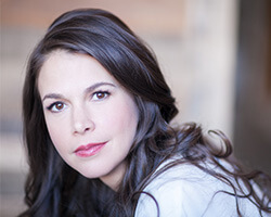 tn_suttonfoster_PS21815_New.jpg